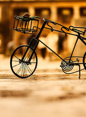 antique-artistic-bicycle-1105128-chaged